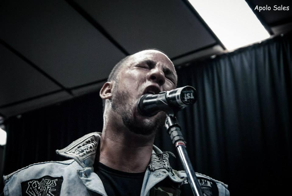 Resenha: Jovens Mortos, novo álbum do Ódio Social