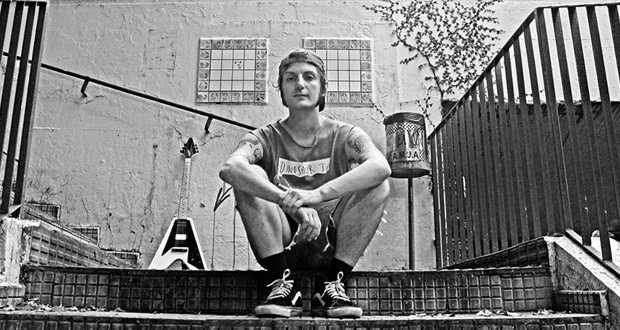 "Assista ""K.O."" do projeto solo de César Passa-Mal"