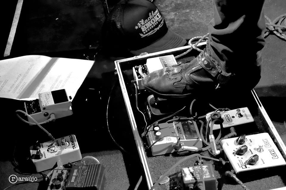"""Com """"Ultra Cosmic Blues"""" Lo-Fi mostra que punk também pode usar botas de couro"""