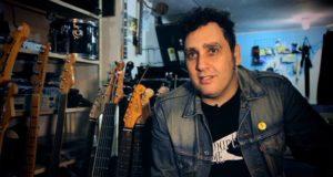 Gabriel Thomaz - Imagem retirada do programa Contos do Rock (Multishow)