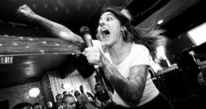 Jenny Angelillo da banda Neighborhood Brats - Crédito: Rachel Murray