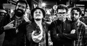 Da esquerda pra direita: JJ Junior (bateria), Nenê Altro (voz), Edu Krummen (guitarra) e Bruno Bento (baixo). Crédito: Luringa