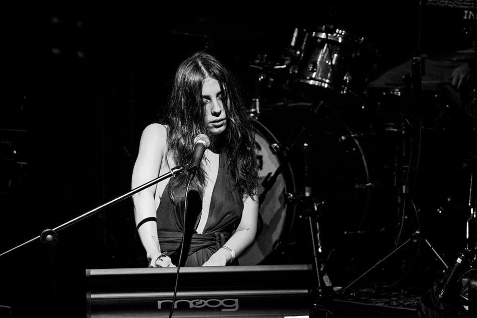 #029 – Os 10 álbuns de Luiza Pereira, da banda INKY