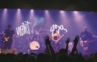 Um 8 de março de união feminina no lançamento do álbum da Violet Soda