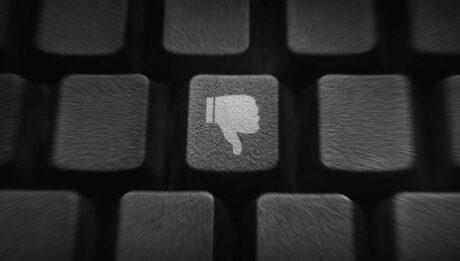 Nas redes sociais você não é o sujeito, você é o produto
